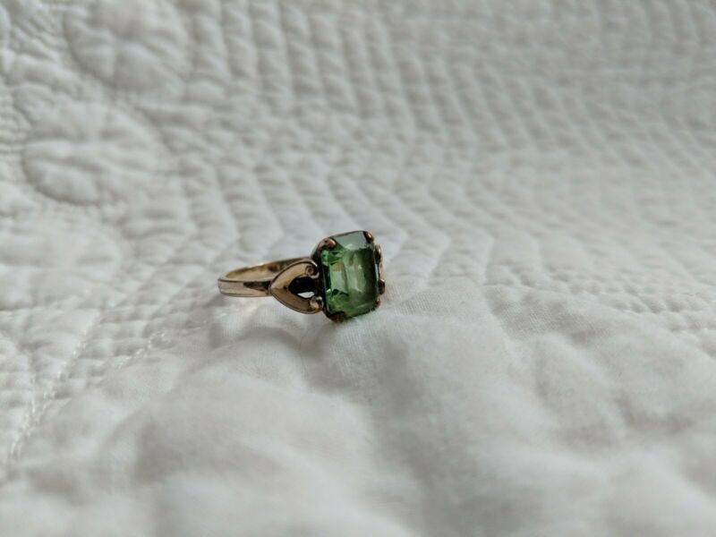 C&C Clark and Coombs 10K GOLD FILLED SIZE 6.5 LADIES VINTAGE RING GREEN STONE