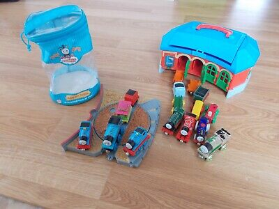 Thomas the Train 4 Way Track Station Take Along 2002, Minis and carry bag!!