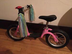 Vélo d'équilibre de marque Kazam.