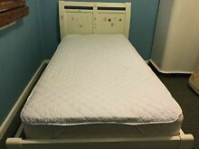Solid timber Single bed in white Macquarie Fields Campbelltown Area Preview
