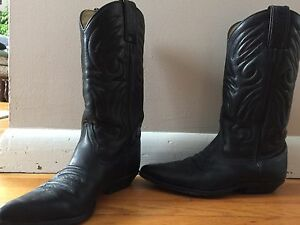 Tall leather ladies cowboy boots