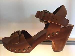 Sportsgirl: Size 8.Tan leather sandal.Wooden platform base.As new Annerley Brisbane South West Preview