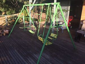 Swing set. FREE. Pick up from apollo parkways area Greensborough Banyule Area Preview
