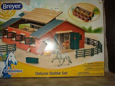 Breyer Original Breyer Horse Stablemates 59209 DELUXE STABLE SET