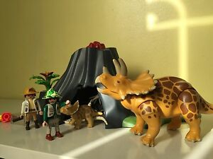 Playmobil 4170 Triceratops with volcano island RETIRED