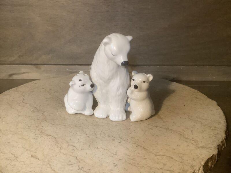 Polar Bear Salt And Pepper Shakers. White Porcelain NEW NWOT 3 PIECE MAGNETIC