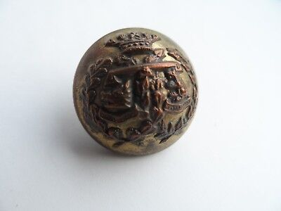 Argyll and Sutherland Highlanders , WW1 brass button , in good condition.