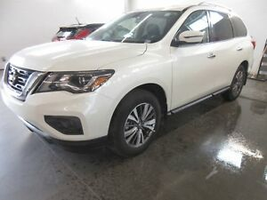2018 Nissan Pathfinder SV Tech V6! NAV! LOADED! SAVE OVER $6000!