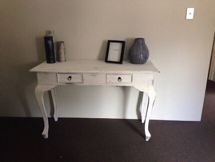 Gorgeous White Solid Timber Hall Table  Hammond Park Cockburn Area Preview
