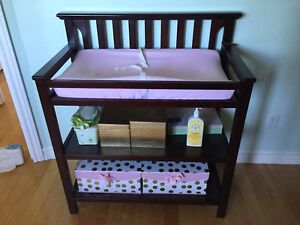 Table à Langer Graco / Graco Changing Table 50$NEG