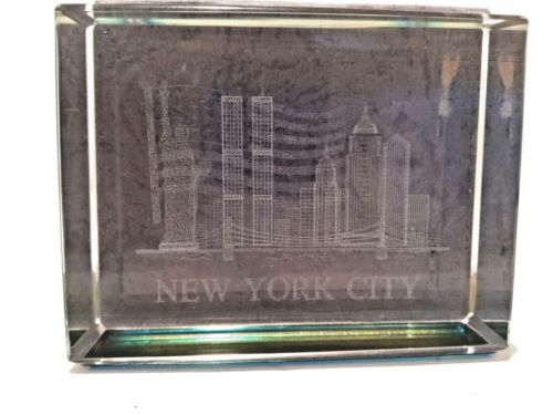 3D Laser Etched Glass Paperweight New York City Skyline with Twin Towers Liberty