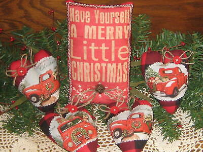 **Primitive`Country`Chunky Wood Hen with Christmas Tree` Sitter `FARM FRESH```