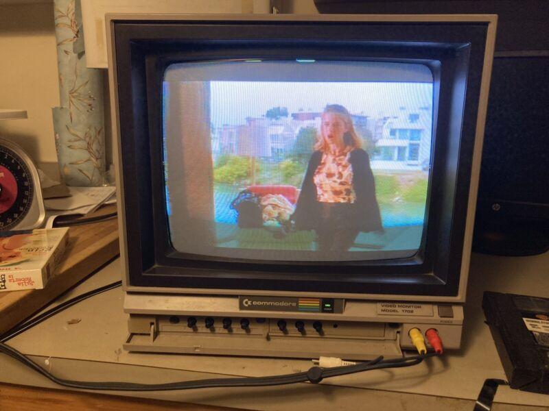 Commodore Video Monitor Model 1702 Computer