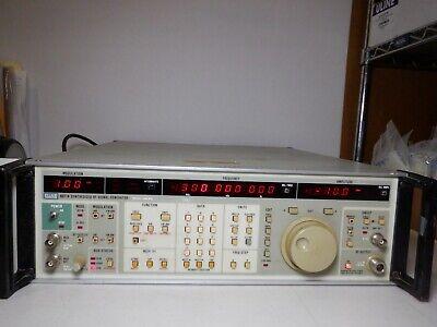 Fluke 6071a 0.2 To 1040mhz Synthesized Signal Generator