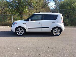 **REDUCED** 2011 KIA SOUL 4U FULLY LOADED SAFETY CERTIFIED