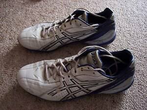 Mens football boots-size 9 Hope Valley Tea Tree Gully Area Preview