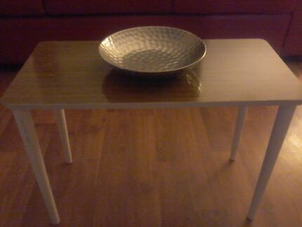 RETRO VINTAGE SIDE TABLE. Greenwith Tea Tree Gully Area Preview