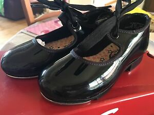 Capizio girls Tap Shoes size 8