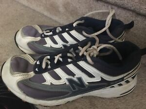Men's size 9 sneakers