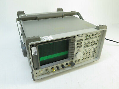 Hp 8563e Spectrum Analyzer 9khz - 26.5ghz W 85620a Mem Module W Handle