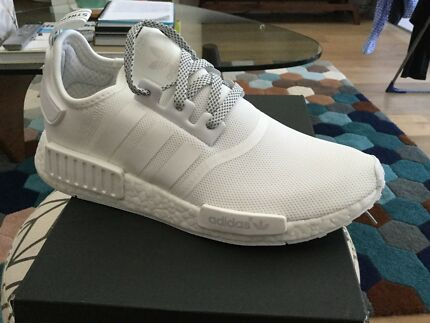 Adidas NMD -R1 Triple White - new - Size US8.5 UK8 EUR42