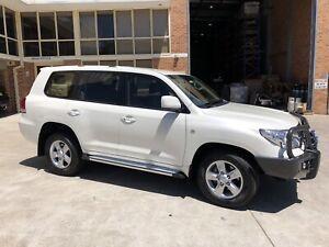 Toyota Landcruiser 200 Series Altitude