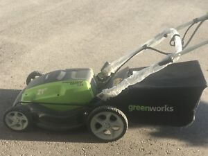 Electric Lawn Mower in very good condition