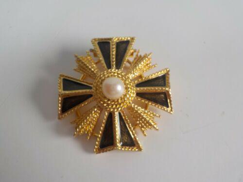 Vintage Monet Scarf Clip ~ Goldtone & Black Enamel With A Faux Pearl