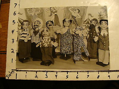 Vintage Puppet Marionette  Photo: THE ELLIOTS 8 PUPPETS IN PICTURE