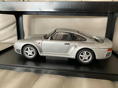 AUTOart 1:18 Diecast Porsche 959 Model Car - Silver Metallic - A++