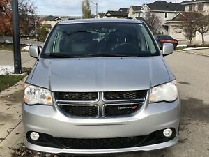 2011 Dodge Grand Caravan Crew (Loaded and A1)