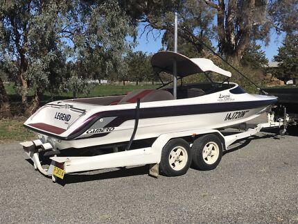Camero legend series II ski boat