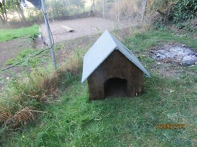Wooden Dog Kennel with felted Roof