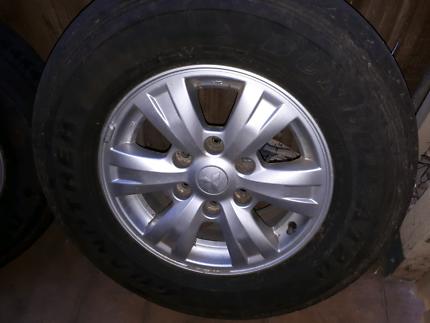 Mitsubishi  triton rims and tyres x 4
