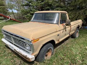 1975 Ford F-100 4X4