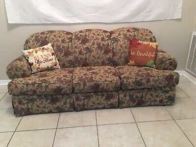 Broyhill sofa Mint Condition, Tan with Maroon, Floral, 3 Cushion, Rustic. ()