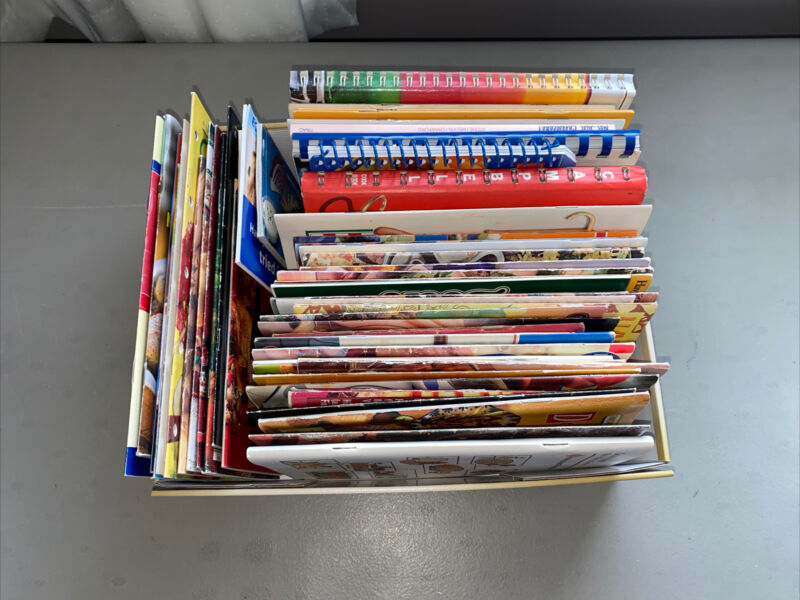 Vintage Cook Books And Pamplets Lot Of 60