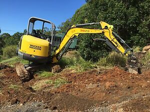 Site clean up Rubbish removal bobcat excavator hire earthmoving Maroochydore Maroochydore Area Preview