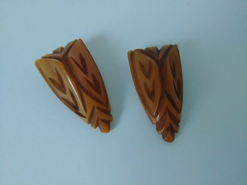 Vintage Pair [2] Carved Butterscotch Amber Bakelite Dress or Sweater Clips 1940s