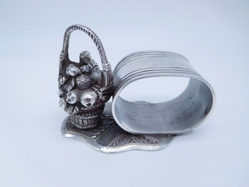 LOVELY VICTORIAN SILVER PLATED FIGURAL BASKET OF FRUIT NAPKIN RING