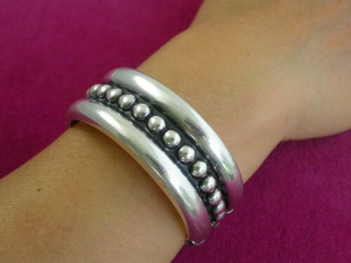 Big & Bold  Mexican Sterling Silver Classic Hinged  Bangle Bracelet   ... L3875