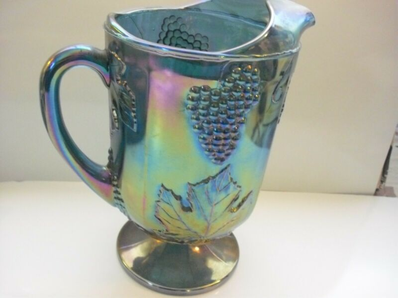 VINTAGE INDIANA CARNIVAL GREEN GLASS GRAPE HARVEST PITCHER