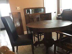 Dining Table (3 leaves), 4 chairs, sideboard