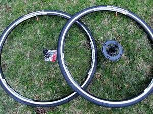 DT Swiss / Giant - Road Clincher 700 10 Speed 1740 Grams - Wheelset