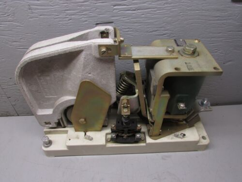 GE IC2800-EA600A16L DC Contactor With Coil: 22D75G3A 115/120VDC