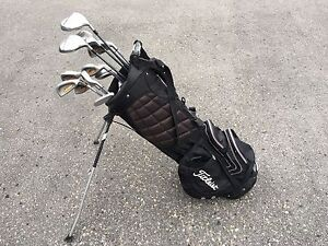 Titleist carry golf bag - mixed set clubs