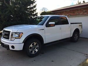 Ford F-150 FX4  2013 LOW KM's