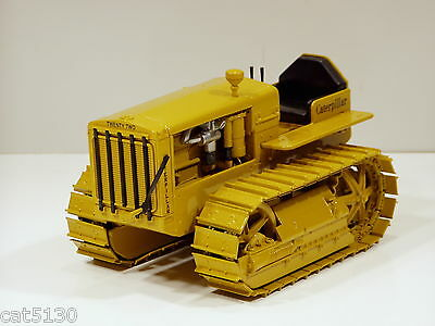 Caterpillar Twenty Two Crawler Tractor 1/16 Norscot 55154 Brand