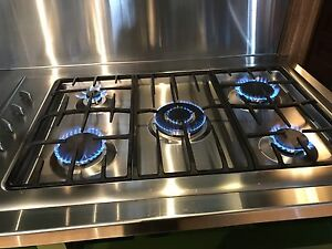 BEAUTIFUL 5 BURNER STAINLESS GAS COOKTOP