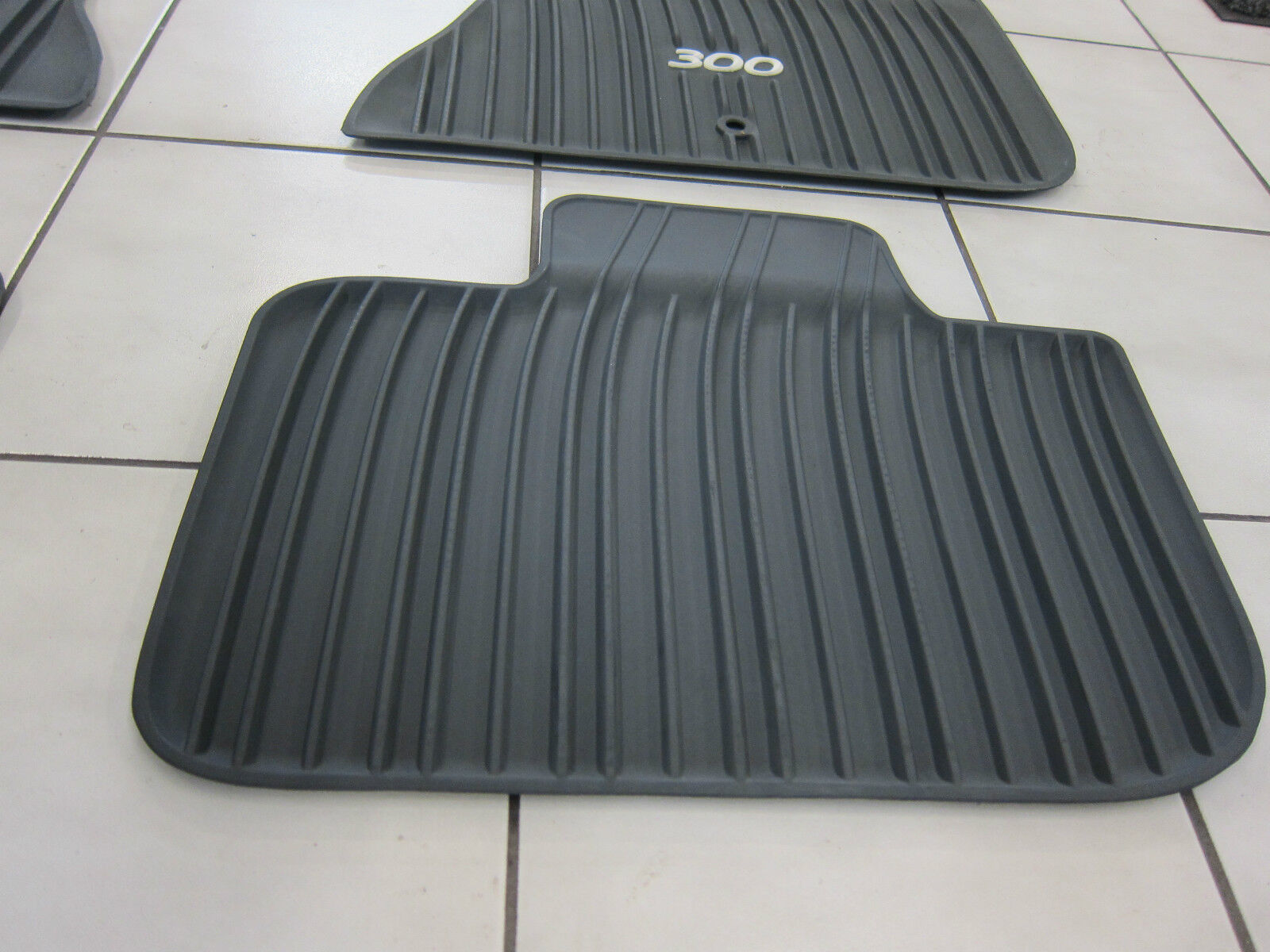 2011 2018 Chrysler 300 Rwd All Weather Rubber Slush Mats